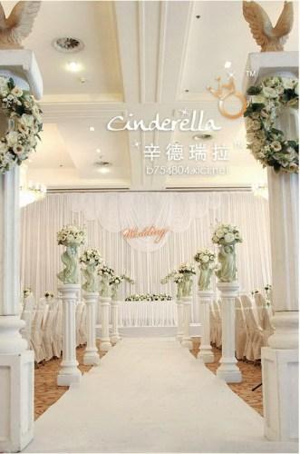 白色欧式门婚礼