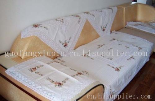 绣花台布,蜂巢丝带绣花被,丝带绣花靠垫,坐垫,被套,床罩及各种室内