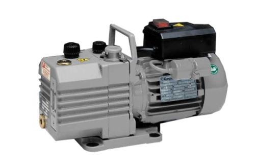 叶轮吸入方式: 双吸式 产品摘要: 设计简单,结构牢固之双级油封旋片泵