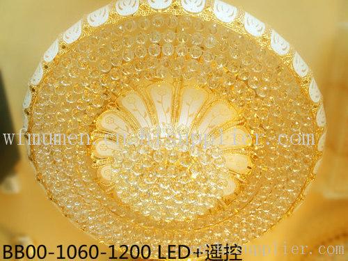黄色水晶灯