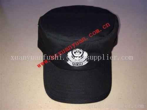黑色帽子搭配夏天
