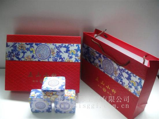 纸箱手工制作礼盒步骤