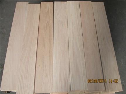 有美国红橡,白橡,加拿大枫木,白腊,樱桃木及法国榉木等,公司在美国有