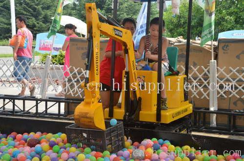 儿童挖土机厂家 游乐挖掘机价格