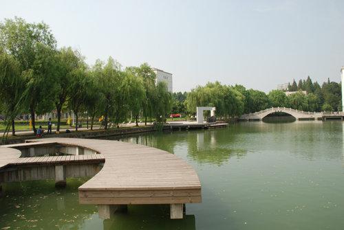 济宁亲水平台景观
