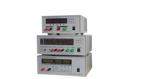2、内置高精度的直流稳压稳流电源,可直接设定电压向电机供电进行测试。 3、特别适用于各种微型及小型电机的生产、调试、出厂检验。 技术指标: 输入电压:AC220V10%,50HZ 输出电压:0~30V、50V、100V 输出电流:5A、10A、20A 电压测量精度:1%1个字 电流测量精度:1%1个字 转速测量范围:1000~40000RPM 转速测量精度:0.