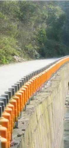 产地: 山东省 青岛市 产品摘要: 聚氨酯高速公路防撞碰垫,选择青岛