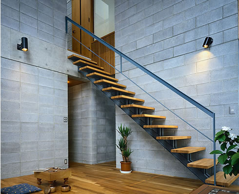 护栏 楼梯价格  楼梯价格 产地: 河北省 廊坊市 产品摘要: 建筑物中作