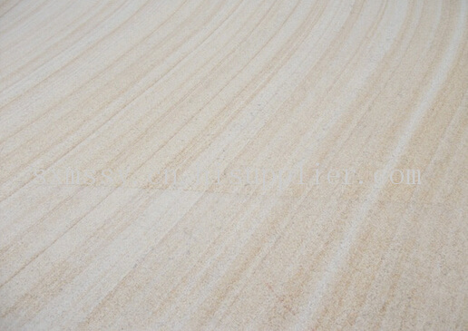 木纹因为产地的不同而呈现出不同粗细的纹理,有纹理致密的细纹,也有纹