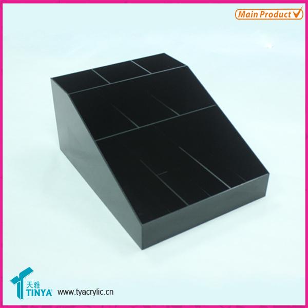 3:化妆品收纳盒采用手工制作