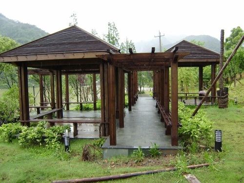 同时也提供私家花园,天台,阳台,入户花园设计美化改造绿化等整套服务