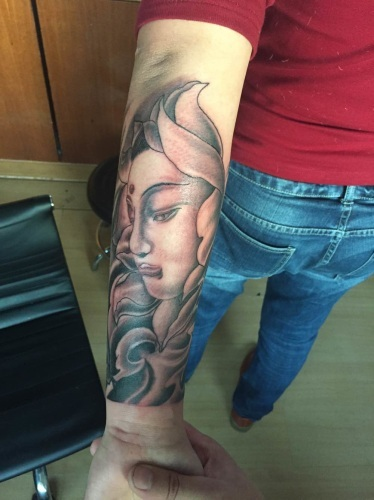 威海后背纹身刺青
