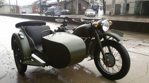 长江750边三轮摩托车军绿色