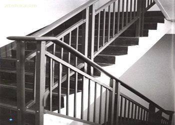 贵阳锌钢楼梯护栏厂家