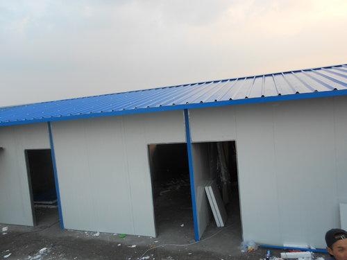眉山钢结构厂房施工:主要由钢柱,钢梁,屋面檩条,墙面檩条,拉条,系杆