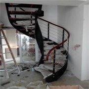 贵阳楼梯制作(钢木旋转楼梯)
