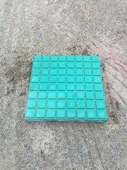 绿色格子砖