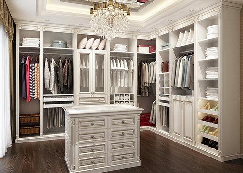 柜体设计时宽度在33cm~40cm之间,高度不低於35cm;整个衣柜上端通常会