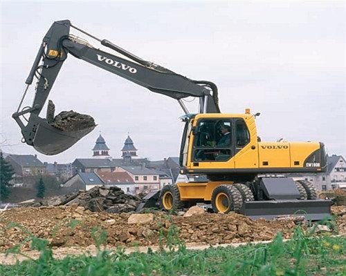 贵州哪里找轮式挖机公司