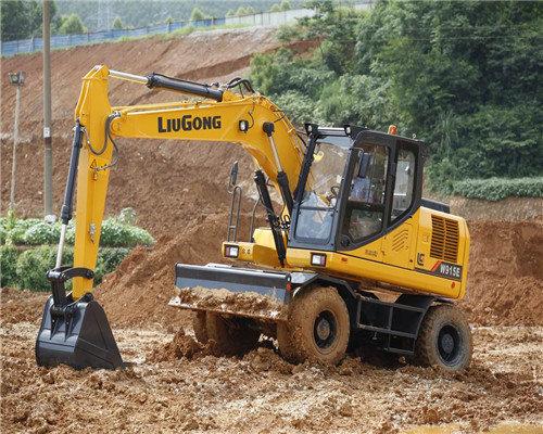 贵州轮式挖机出租电话