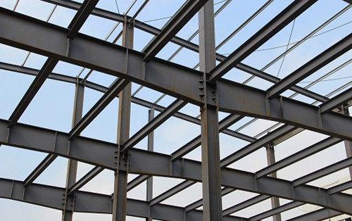 抗风性: 西安钢结构设计建筑重量轻,强度高,整体刚性好,变形