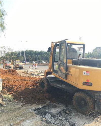 贵州哪里找轮式挖机出租