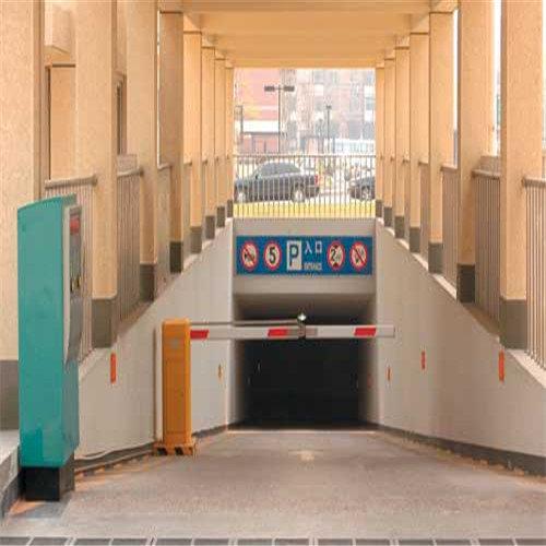 停車場入口機