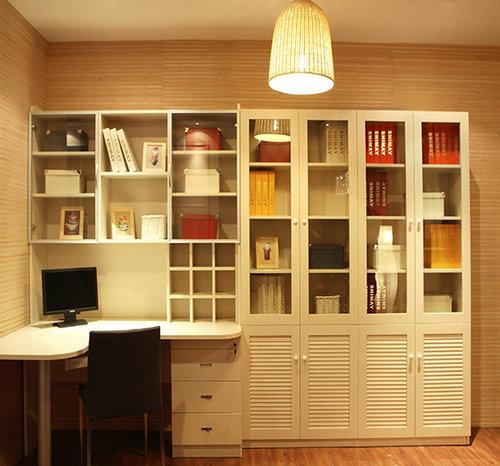 全铝家具相对实木家具优势越来越大
