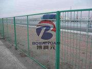 公路護欄網的特點