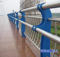 桥梁人行道公路栏杆立柱