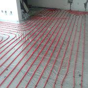 地暖安装常见的布管铺设方式》新闻报道