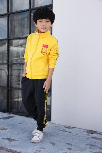 儿童校服比大人衣服贵是为什么呢?
