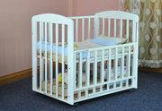 婴儿床是实木的好还是铁的好呢