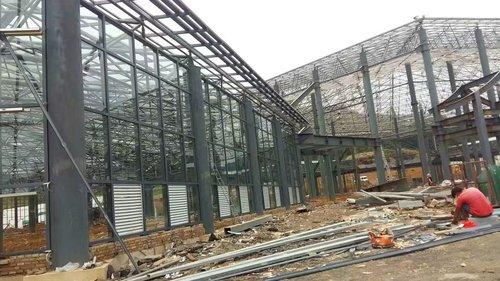 鋼化玻璃安裝工程