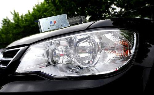 汽车车灯电磁铁的工作原理