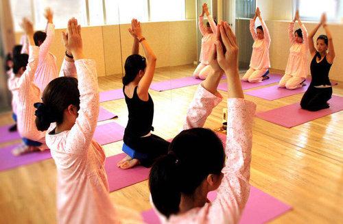 义乌产后瑜伽锻炼
