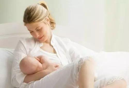 """母乳喂养难在哪?细数奶粉""""5宗罪"""",你和宝宝中招了吗"""