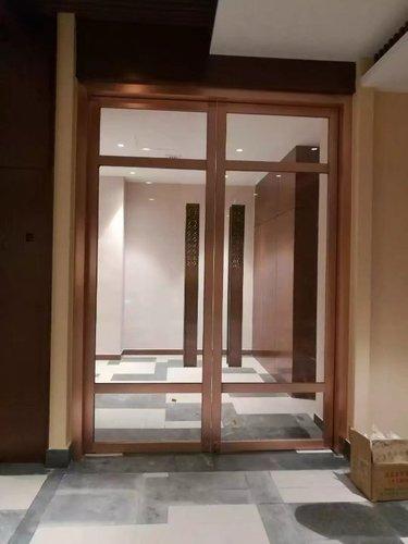 不锈钢橱柜好还是木质橱柜好
