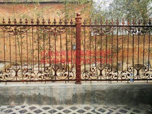 铁艺护栏的优点