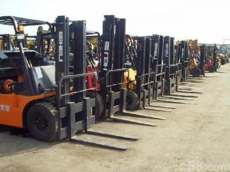 知名的二手叉车供应商_青州升旺工程机械|15吨二手叉车供应商