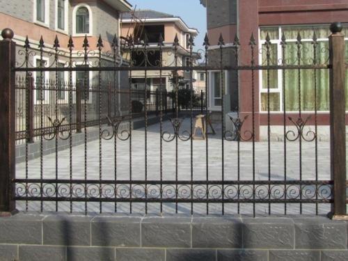 贵阳铁艺护栏厂