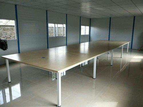 海南办公桌与什么款式的办公椅搭配才*合理?