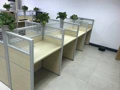 海南屏风办公桌多少钱