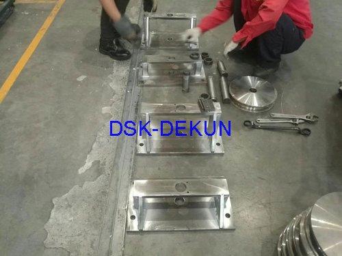 重型熔炼炉炉门导向轮装置制作&安装