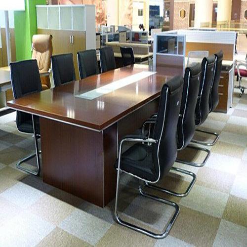 如何使海南职员办公桌不变黄?