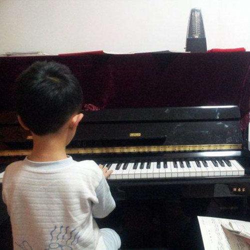 钢琴学生从零基础到进阶的提示