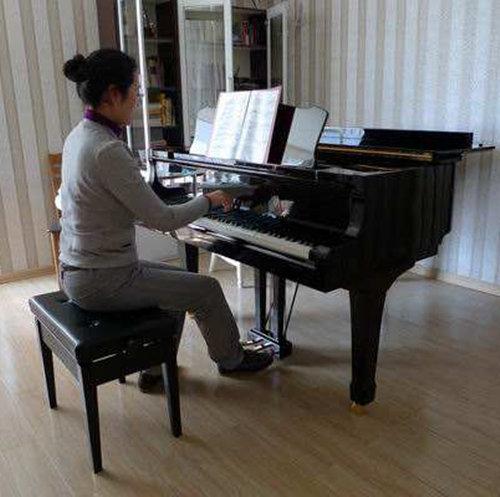 关于四个季节弹奏钢琴的方法变化