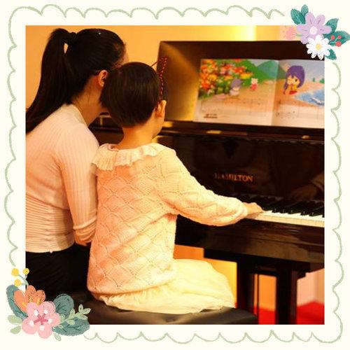 父母学习钢琴对小孩的影响