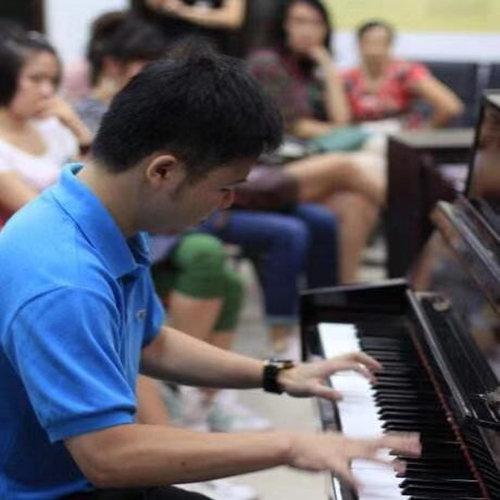 给成人钢琴学员挑选钢琴的建议若干