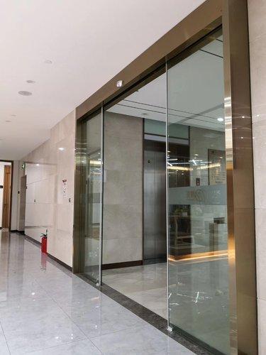 贝博主页自动玻璃门安装
